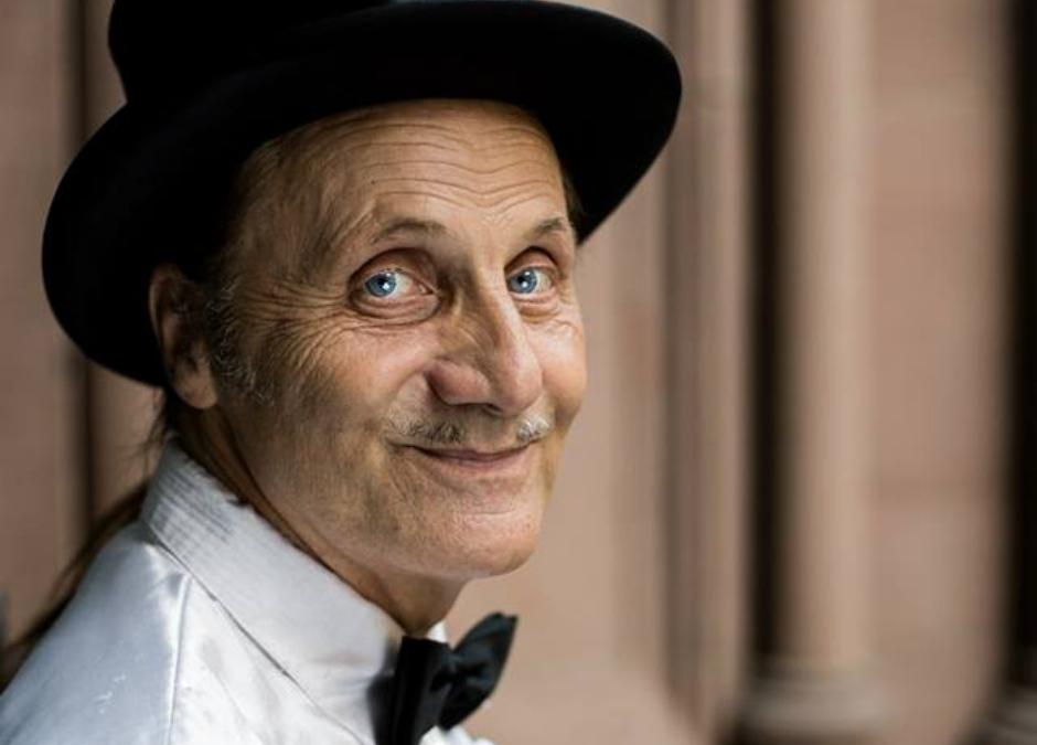 Taschenlampenführung im Museum: 10 Fragen an den Schauspieler Achim Brock